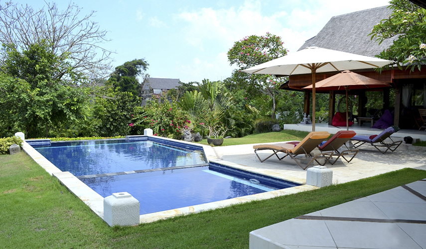Somptueuse villa avec grande piscine extérieure et jardin exotique