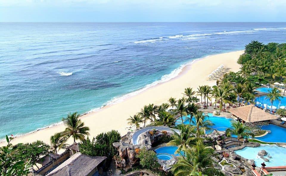 Vue aérienne du bord de plage à Bali