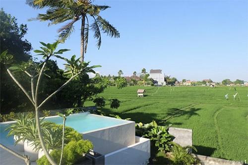 Somptueuse villa avec piscine à débordement avec une vue à couper le souffle