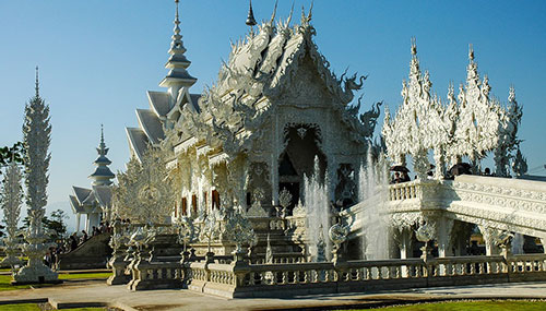 Magnifique temple blanc de Chiang Rai